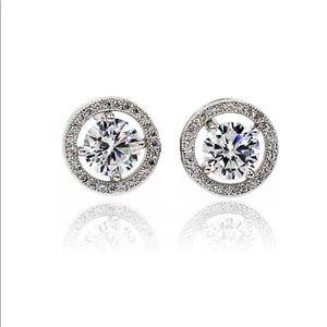 Four claw pierced crystal earrings
